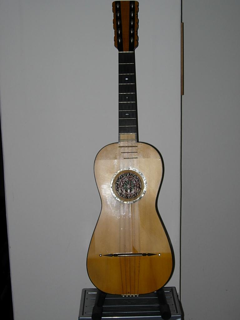 Resultado de imagen de chitarra battente sicily